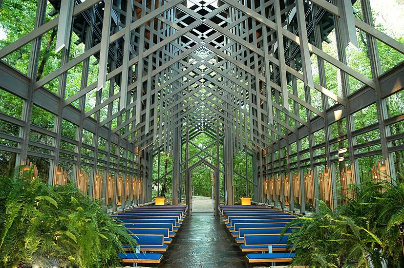 Foto tratta dal sito ufficiale della Thorncrown Chapel.