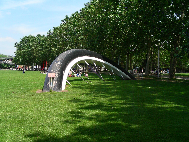 Meravigliosi giardini il moderno parc de la villette di for Giardini in villette