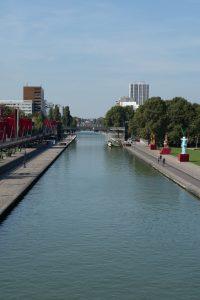 Bassin de la Villette parc de la Villette Paris
