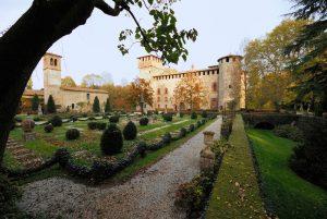 Castello medievale grazzano visconti parma giardino