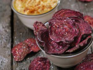 ricetta chips barbabietola rossa al forno