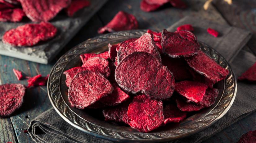 super popular 39dc4 85e4f Chips di barbabietola rossa al forno | Fito