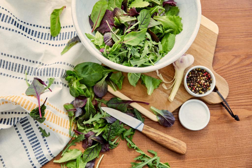 Lattuga e canovaccio. Conservare l'insalata più a lungo