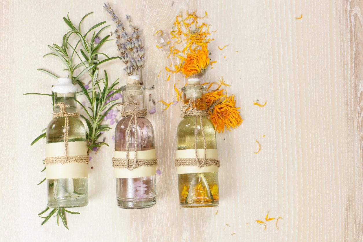 Oli essenziali per aromaterapia